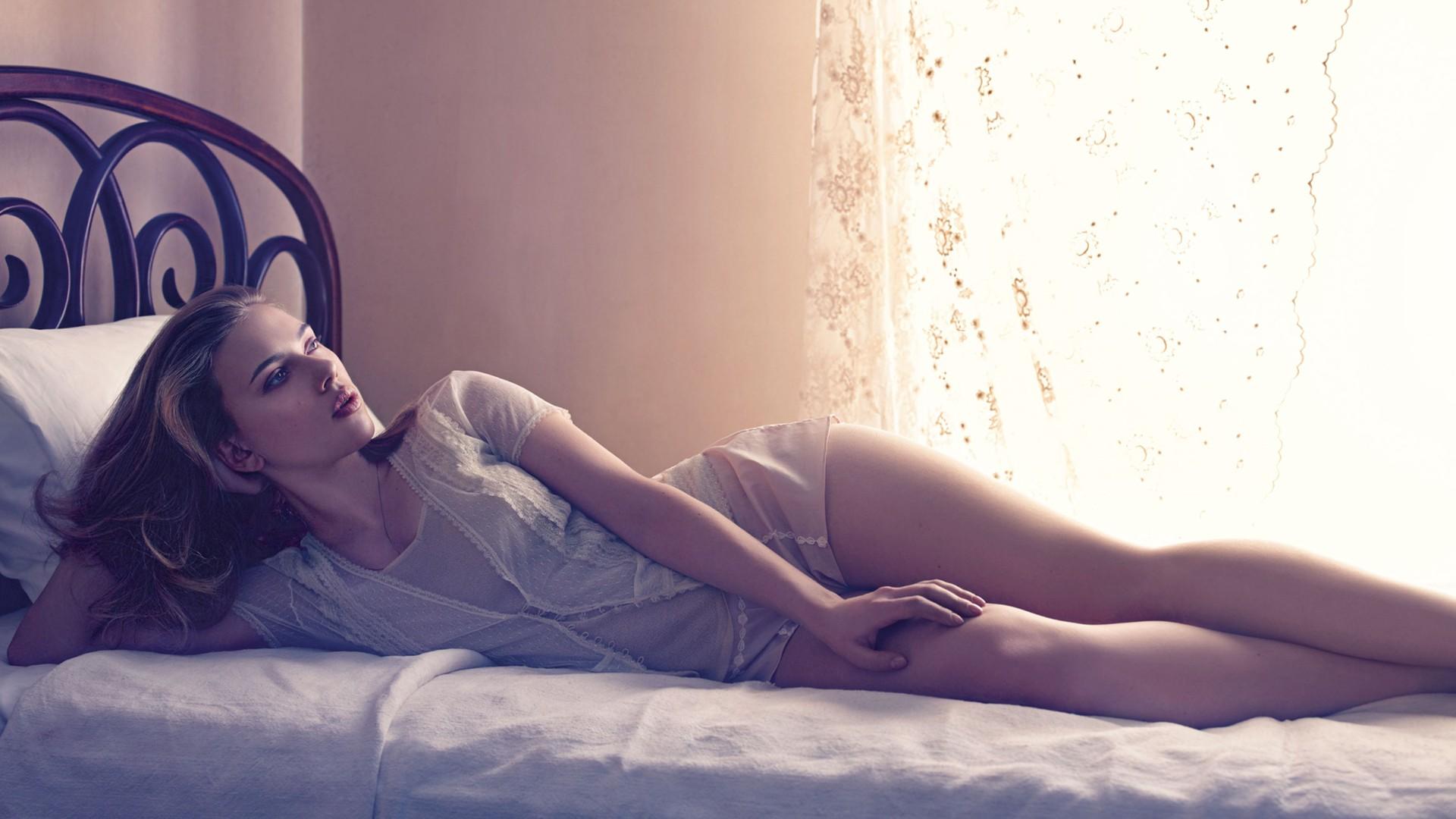 соглашается девушка лежит в кровати фото на телефон что