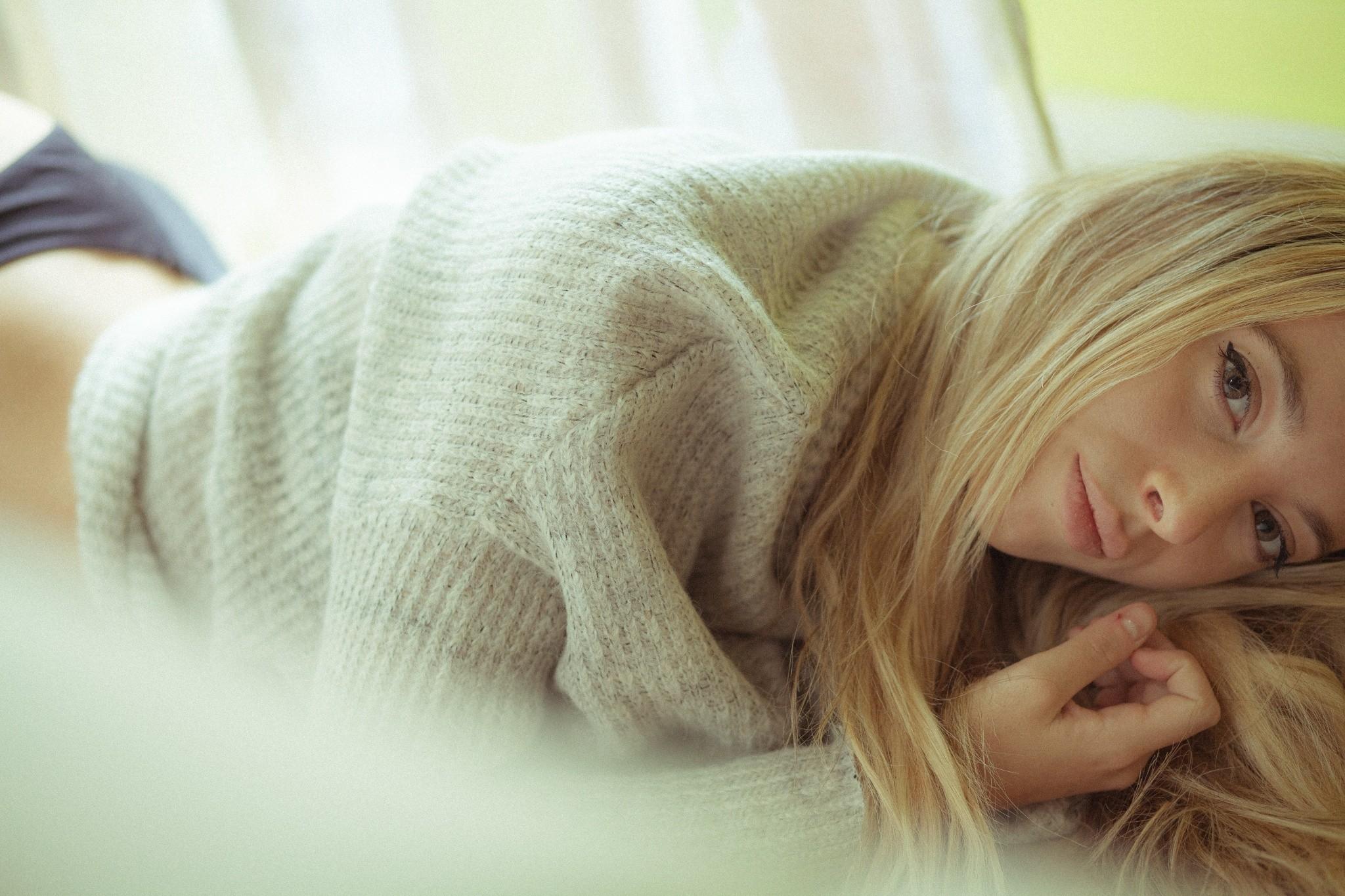 Картинки спящих блондинок