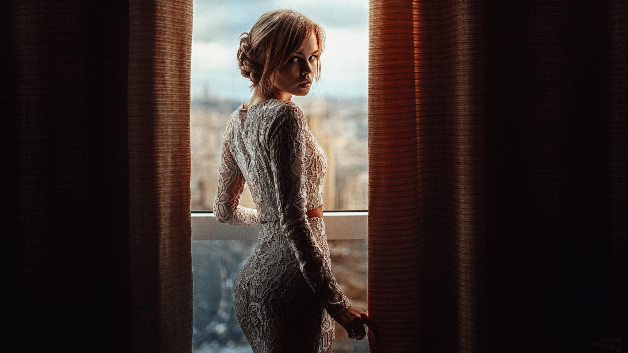 Fond Décran Femmes Maquette Portrait Blond Fenêtre