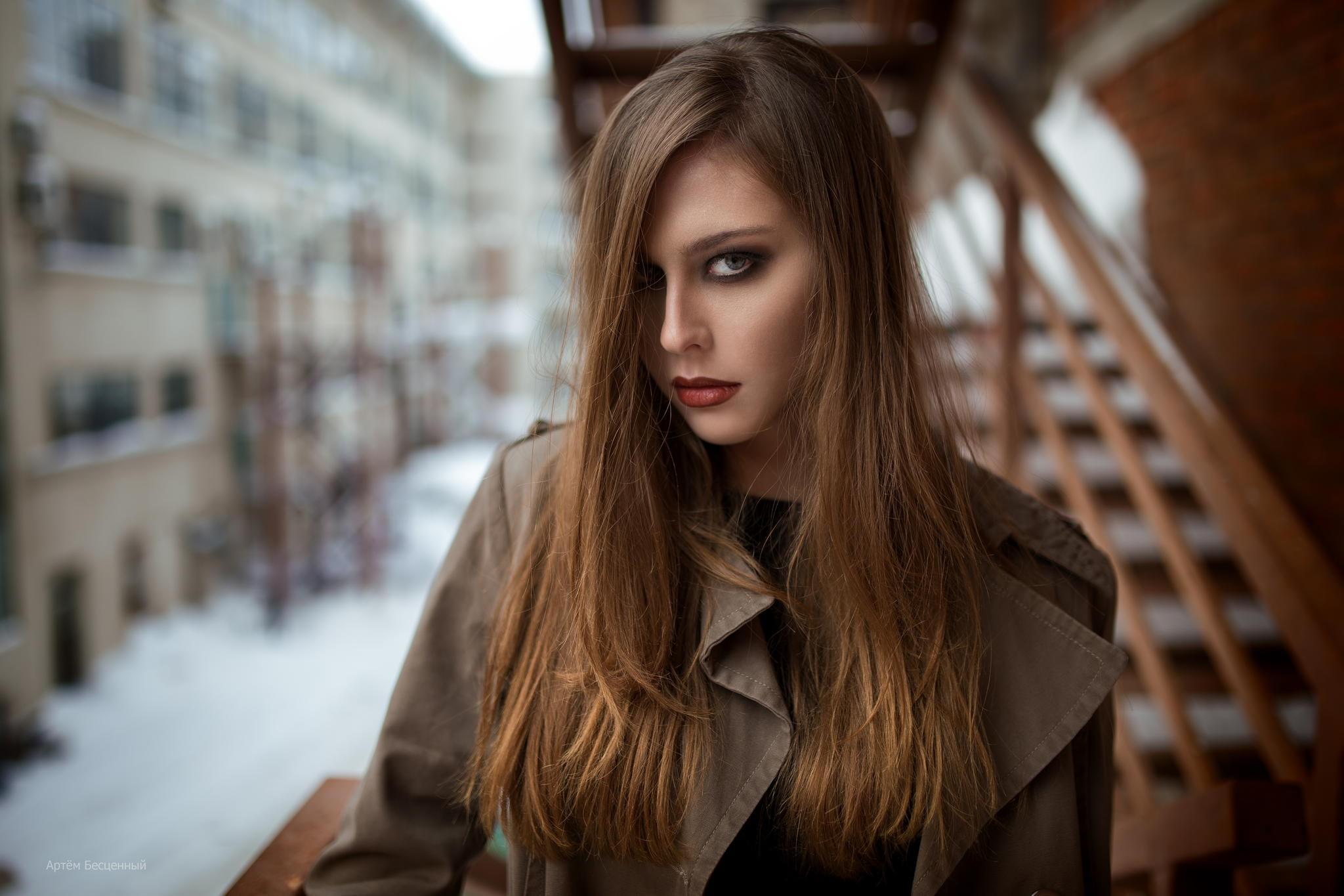 Women Blonde Blue Eyes Long Hair Wavy Hair Portrait: Masaüstü : Kadınlar, Model, Portre, Uzun Saç, Mavi Gözlü