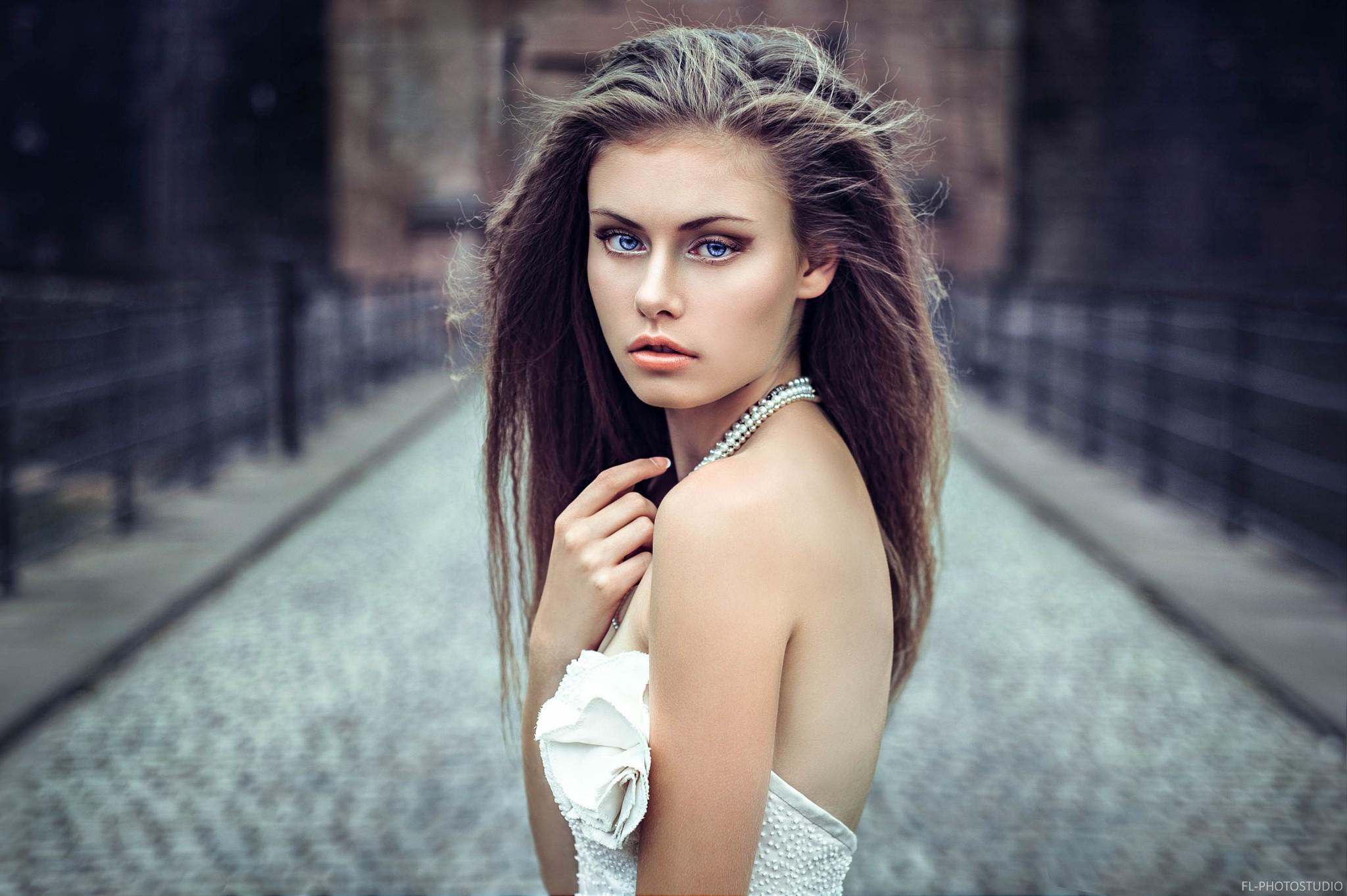 Sfondi : donne, modello, bionda, capelli lunghi, bicchieri