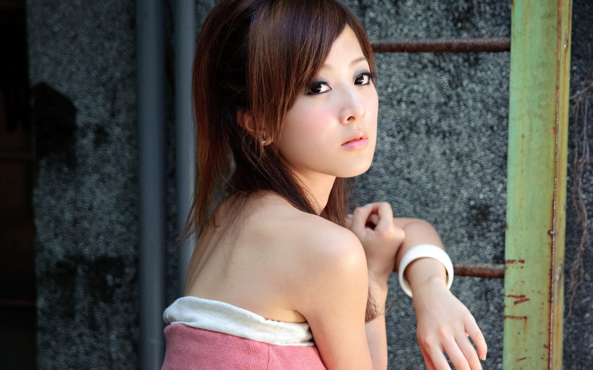 уход ними фото молодых азиаток большом увеличении