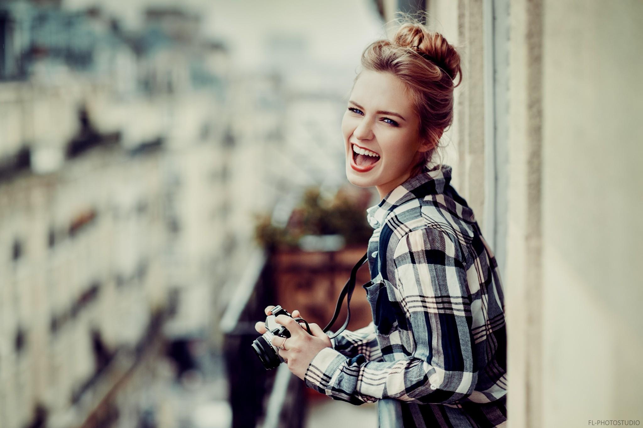 kvinnor modell porträtt fotografi klänning Eva Mikulski Lods Franck mönster  mode hår vår barn flicka skönhet 8851f1abec5fb