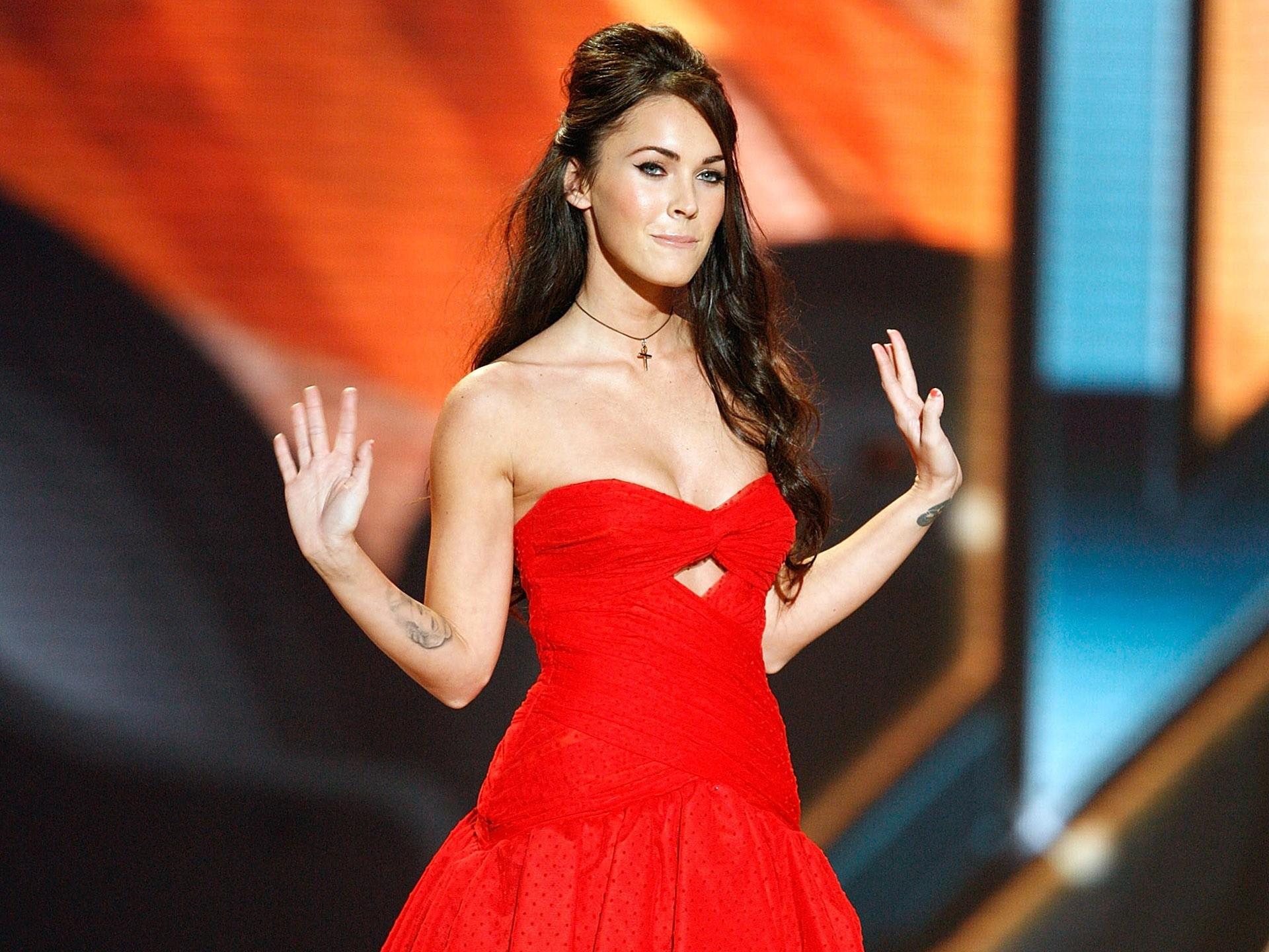 Hintergrundbilder : Frau, Modell-, rot, Kleid, Mode, Megan Fox ...