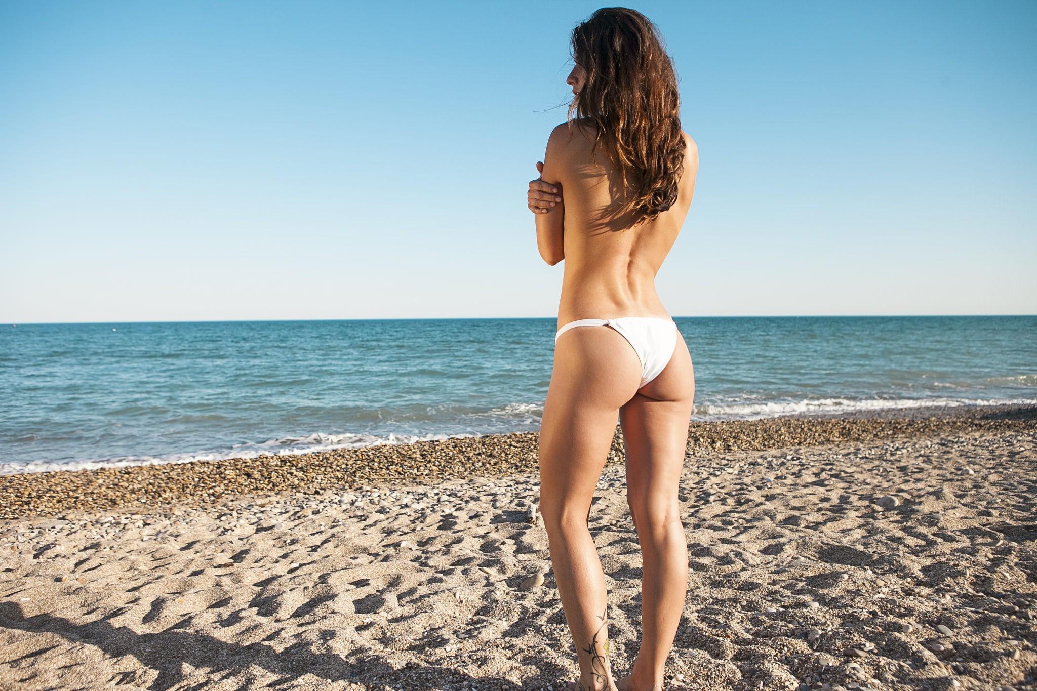 9a98f4dbe489 Fondos de pantalla : mujer, modelo, mar, apuntalar, arena, playa ...
