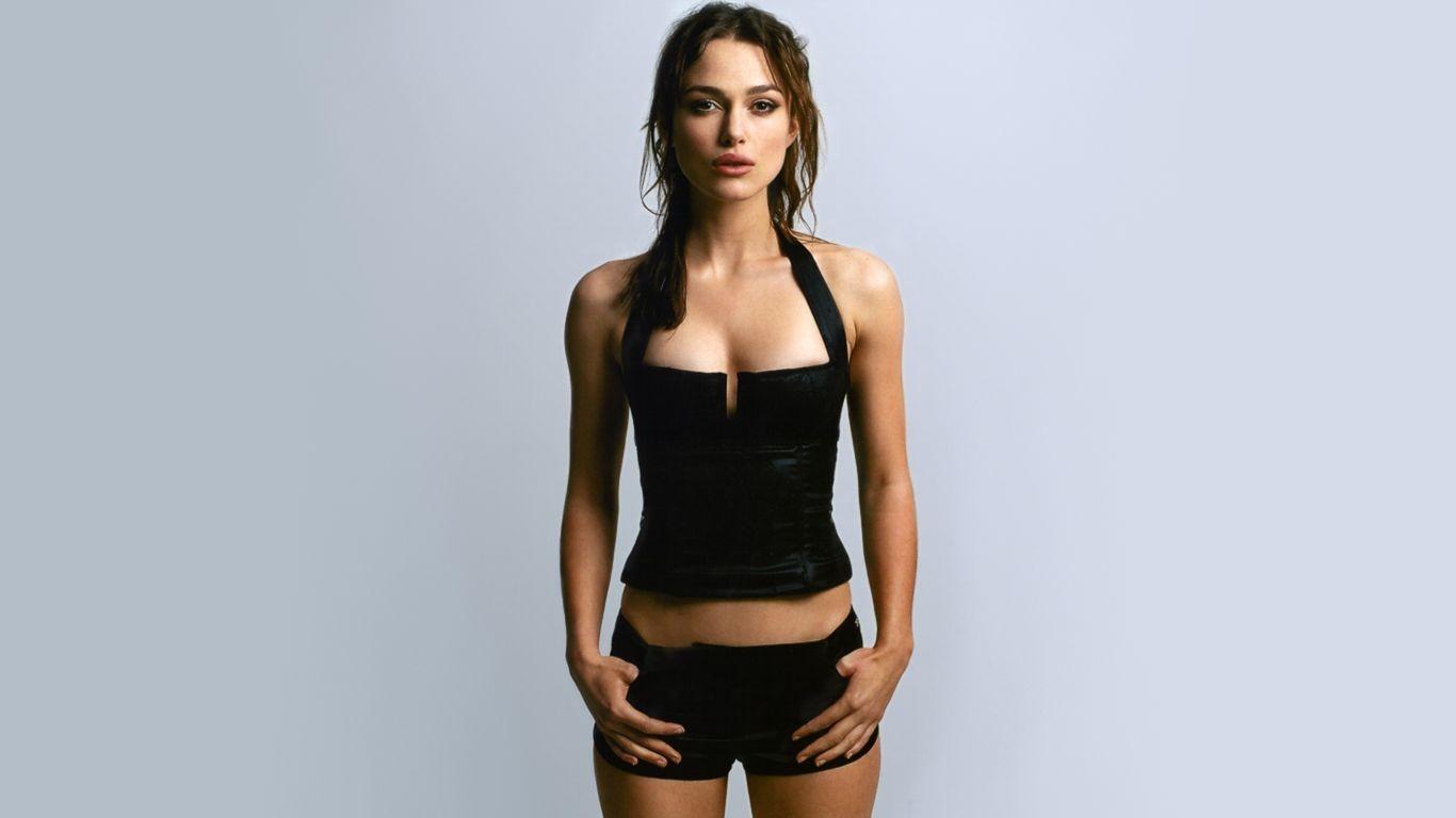 фото девушек с первым размером груди