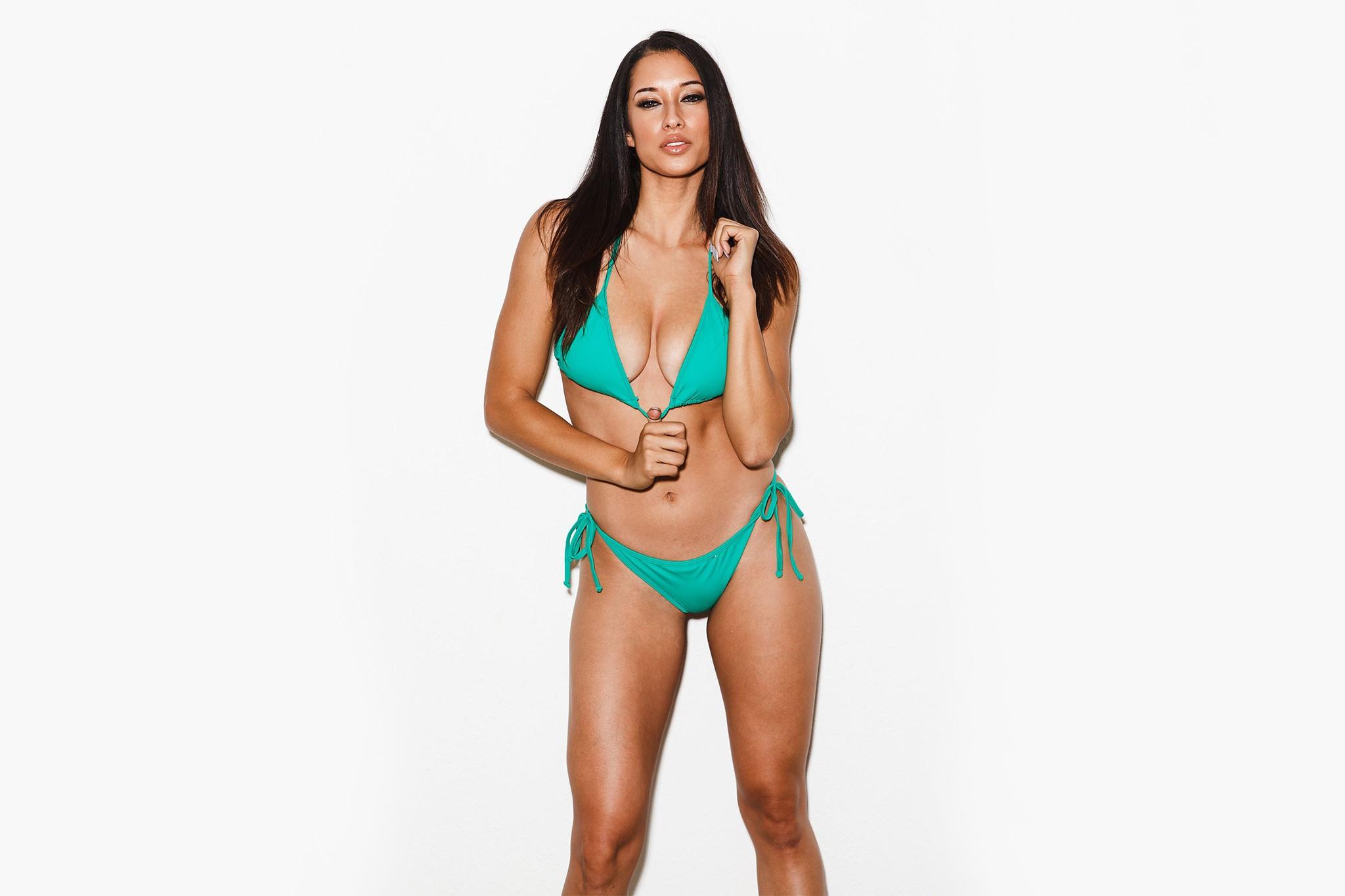Bikini fitness supermodel