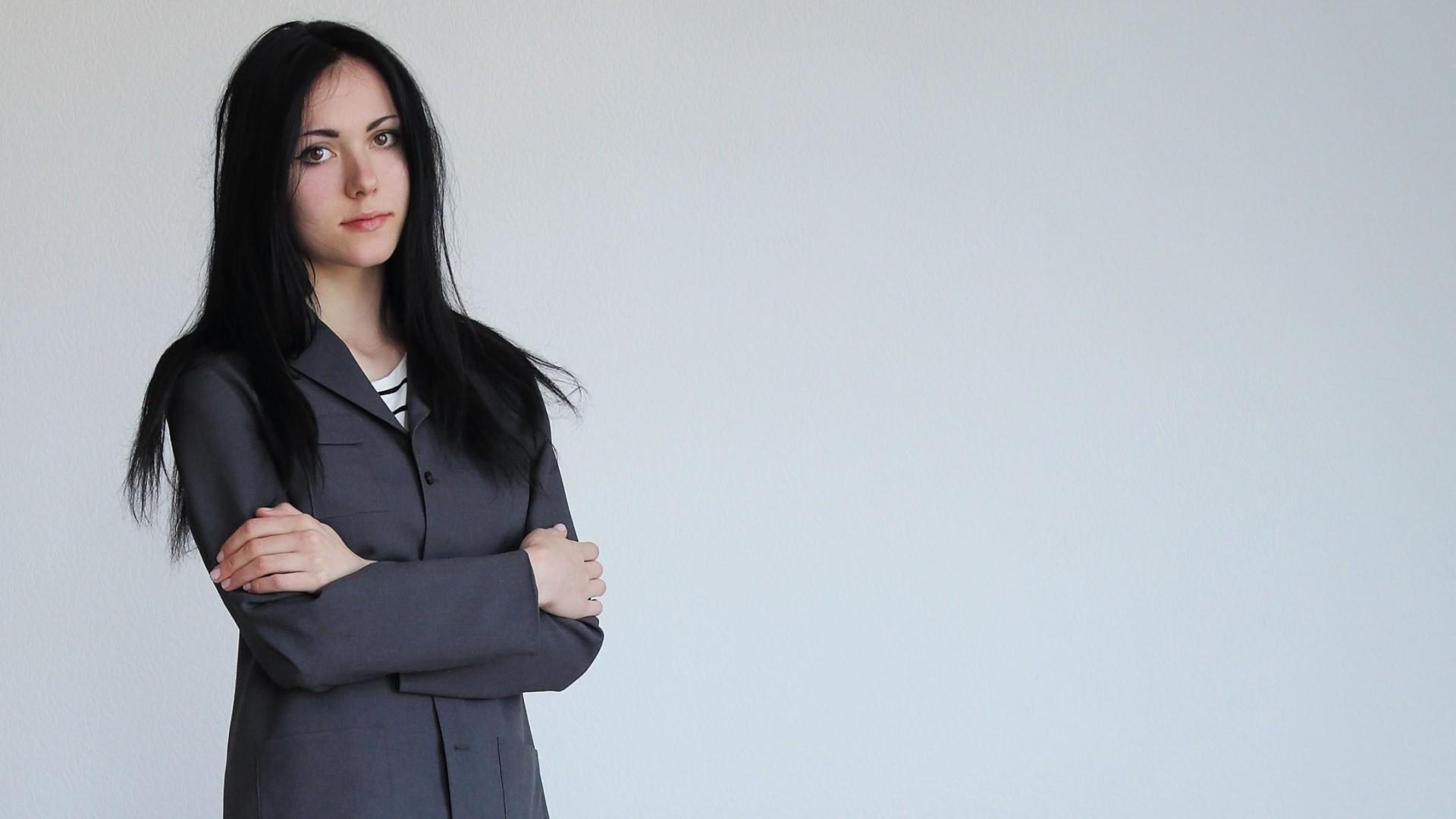 Hair Style Jeans: Wallpaper : Women, Model, Simple Background, Jacket, Dark
