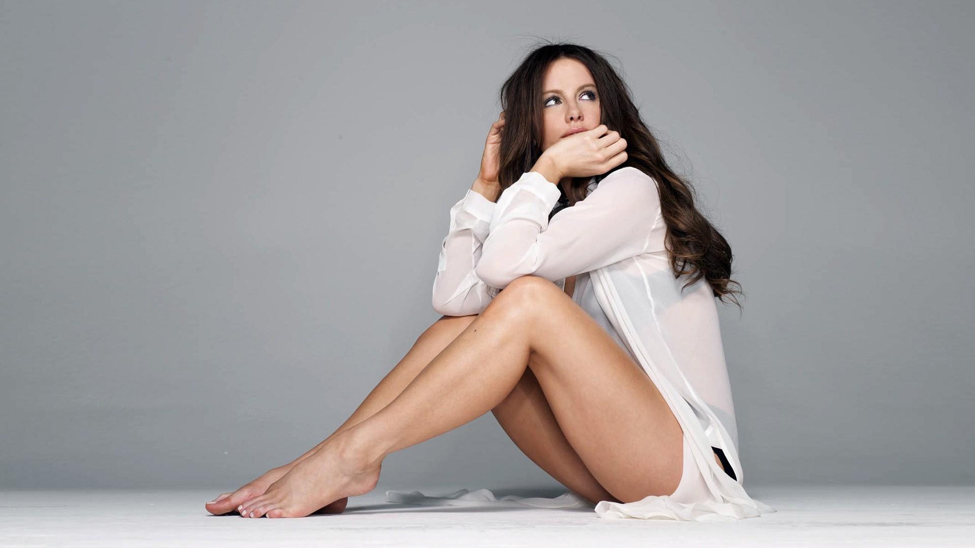 красивые фото поз для дев с полными ногами тот