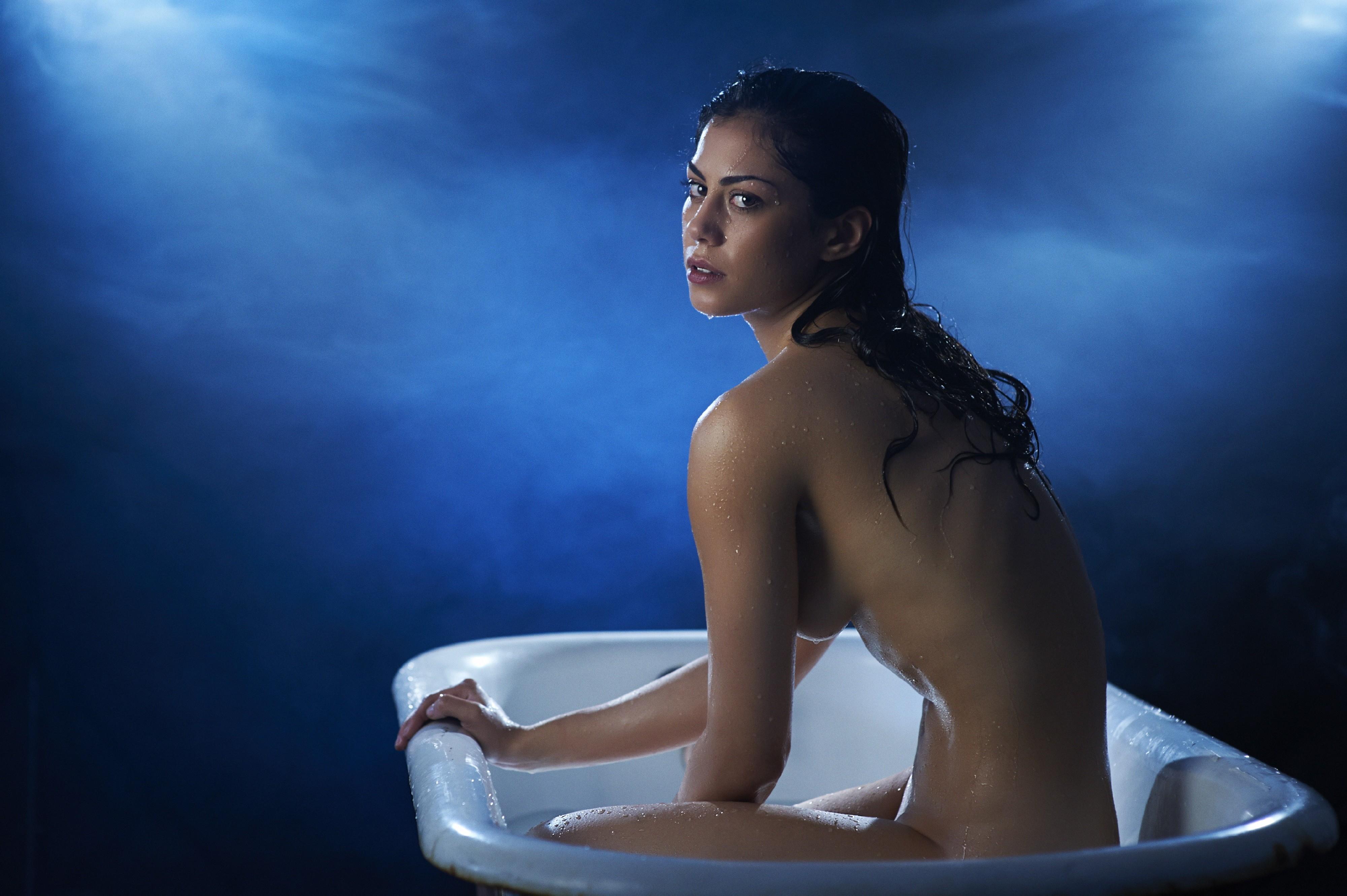 alaston malleja valo kuva biseksuaali parit orgia