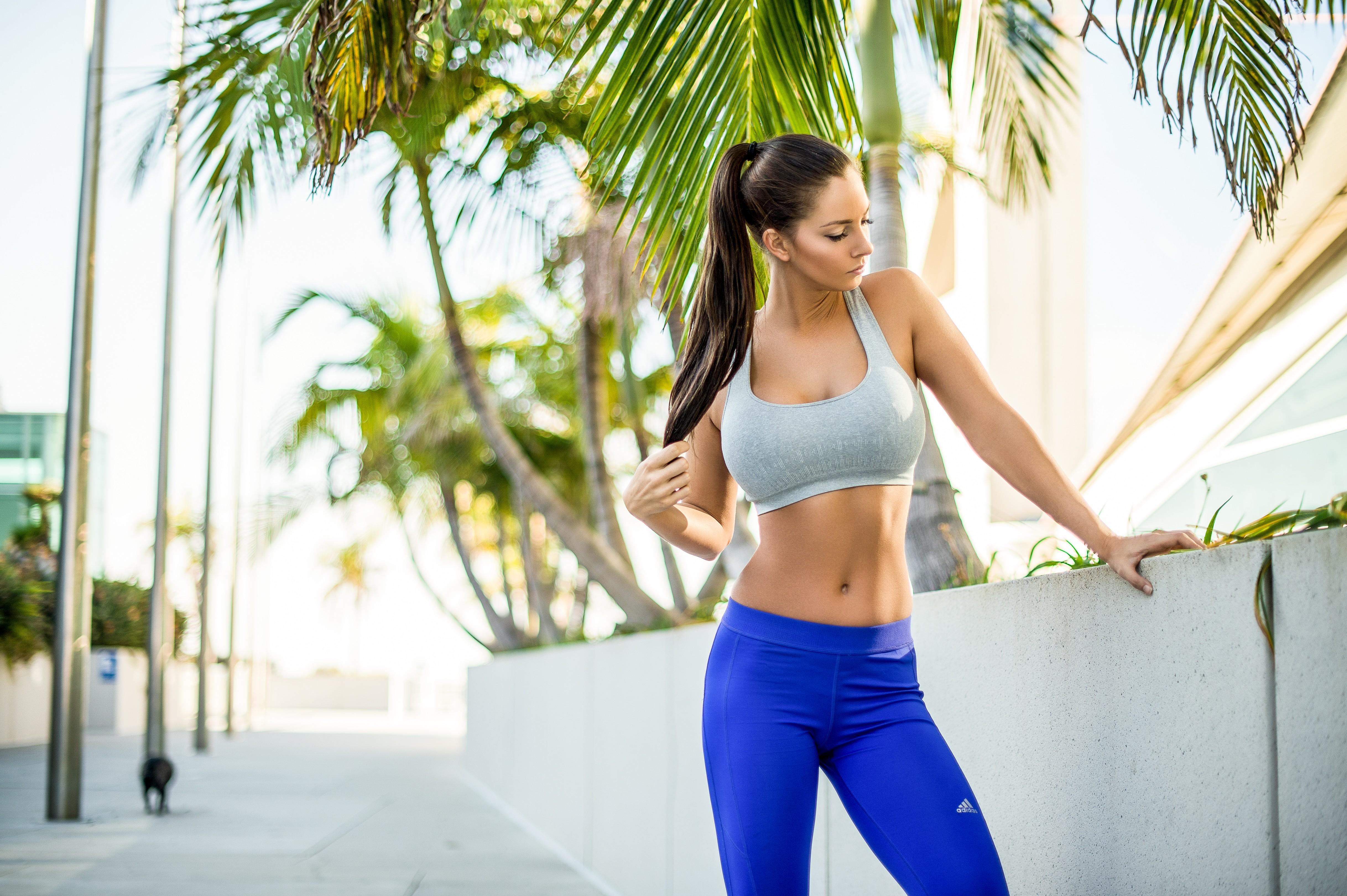 abbigliamento adidas yoga