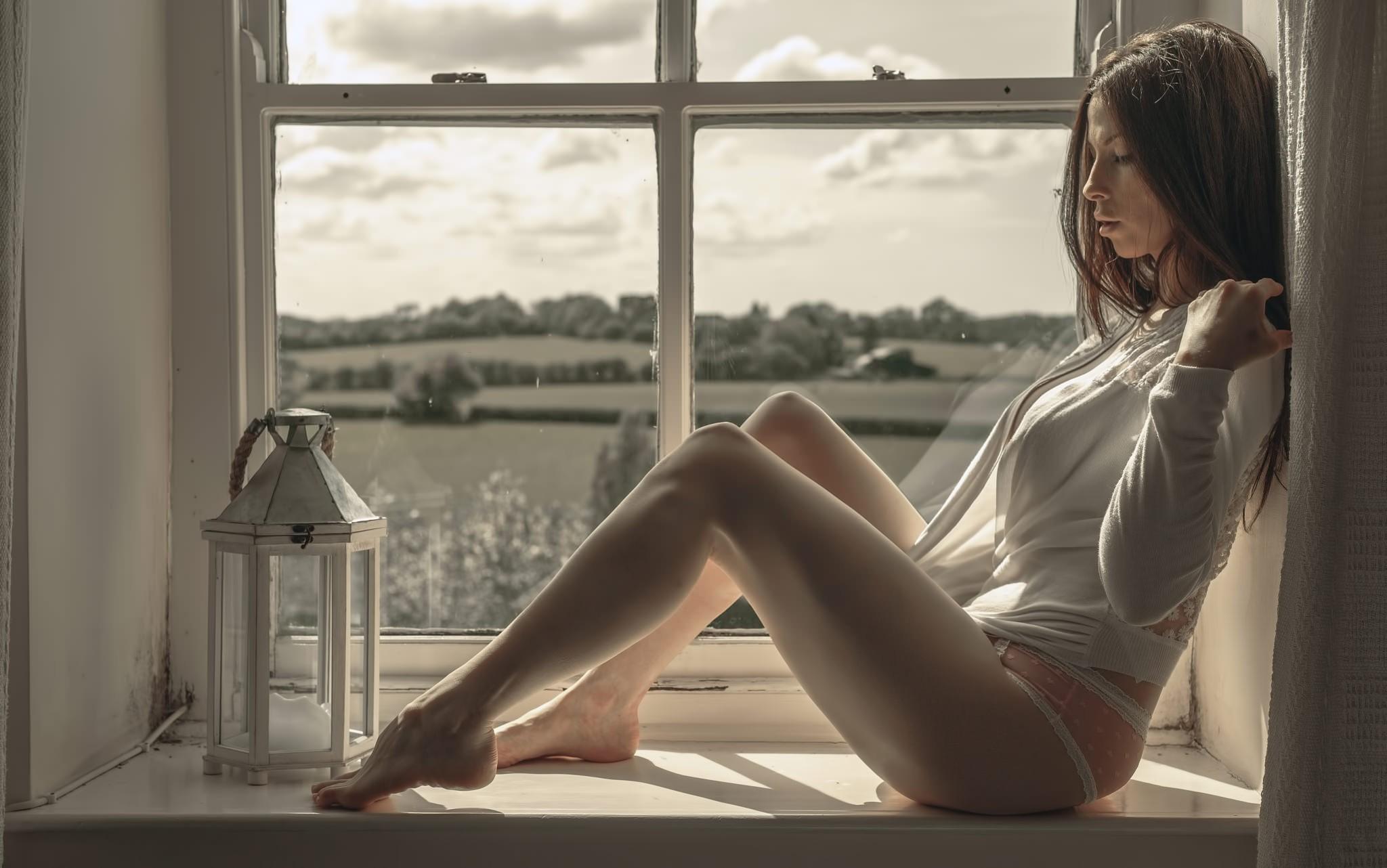 или онна-бугэйся самые красивые фотомодели у окна самом