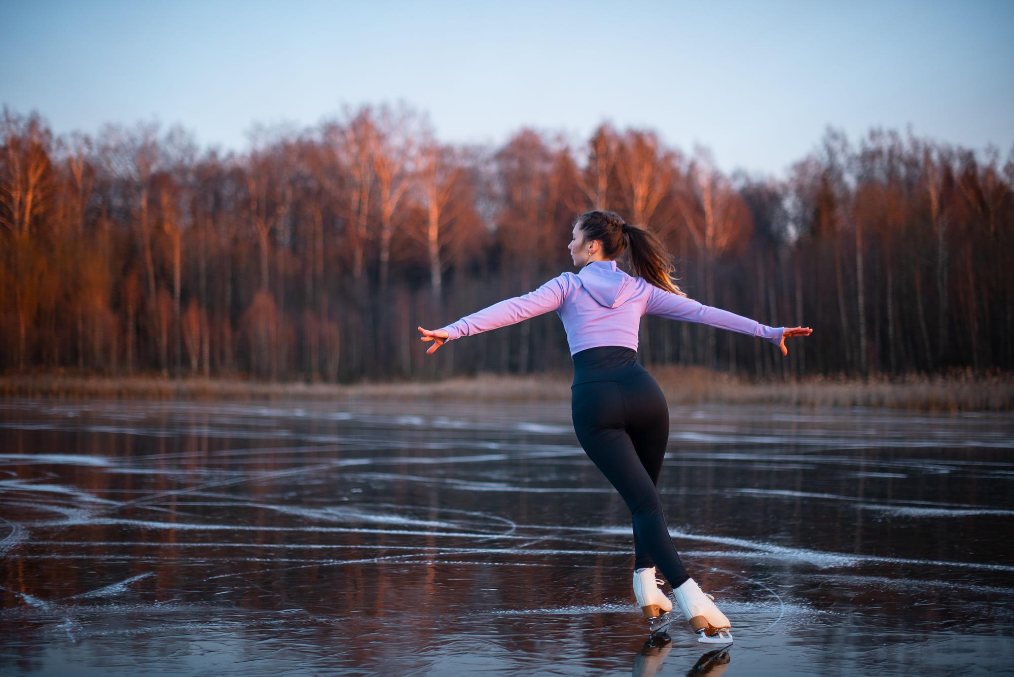 Wallpaper Women Model Yoga Pants Leggings Ponytail Ice Skate Dancing Brunette Nature Frozen Lake Sweater Depth Of Field 2000x1335 Javalonte 1764453 Hd Wallpapers Wallhere