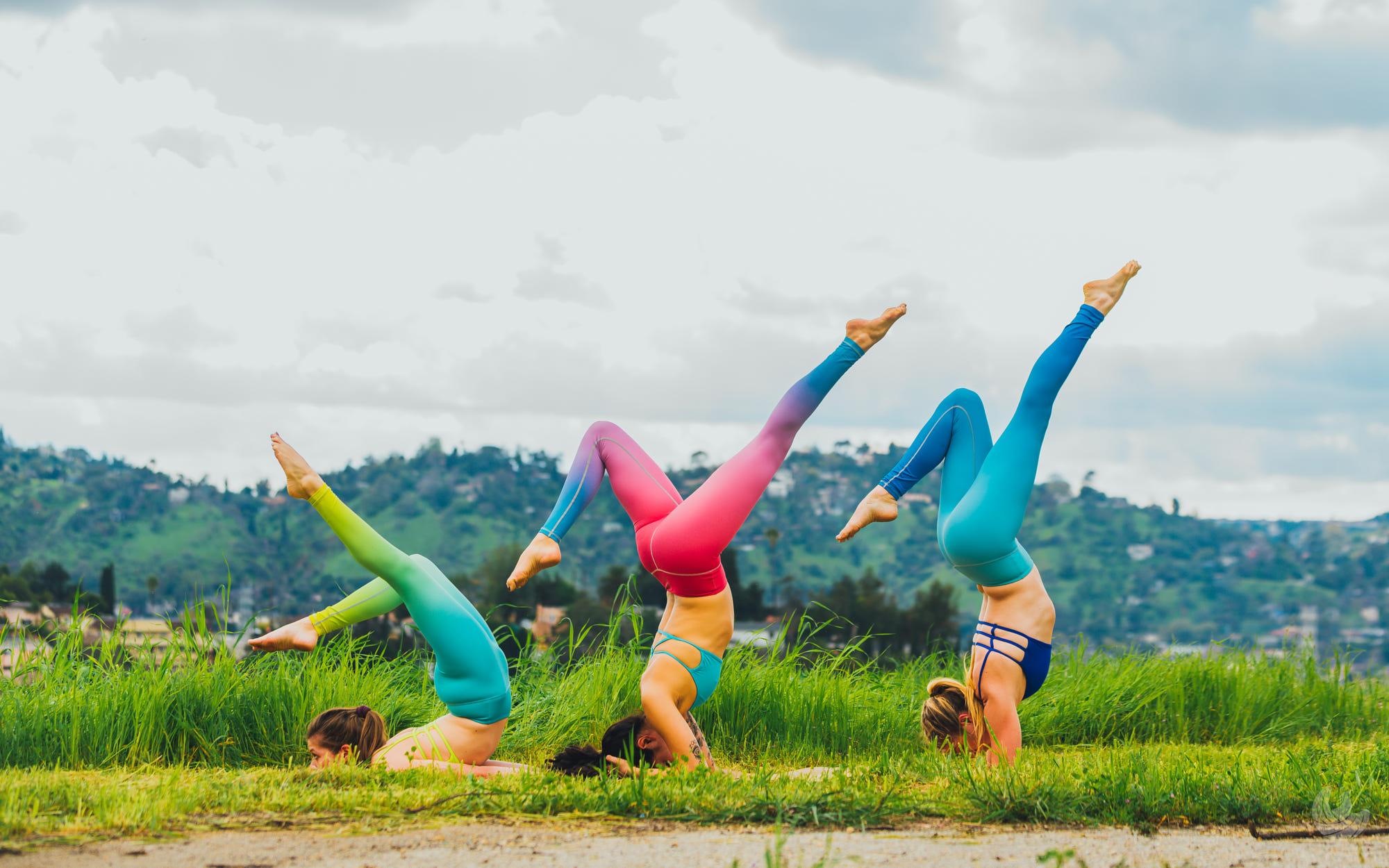 Wallpaper Women Model Yoga Pants Ponytail Nature 2000x1250 Lagito37 1275703 Hd Wallpapers Wallhere
