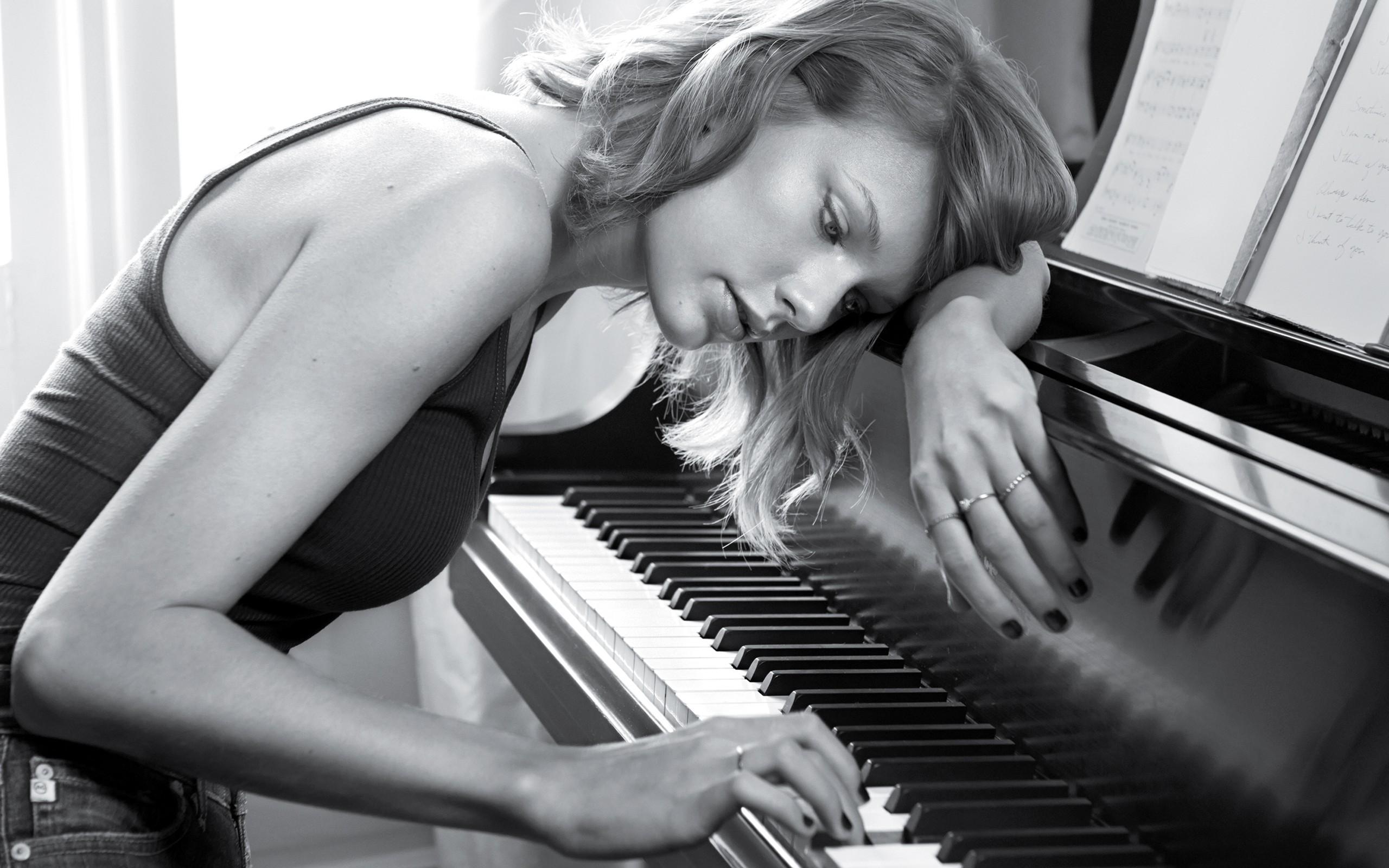 фото с пианино позы блоха может попасть