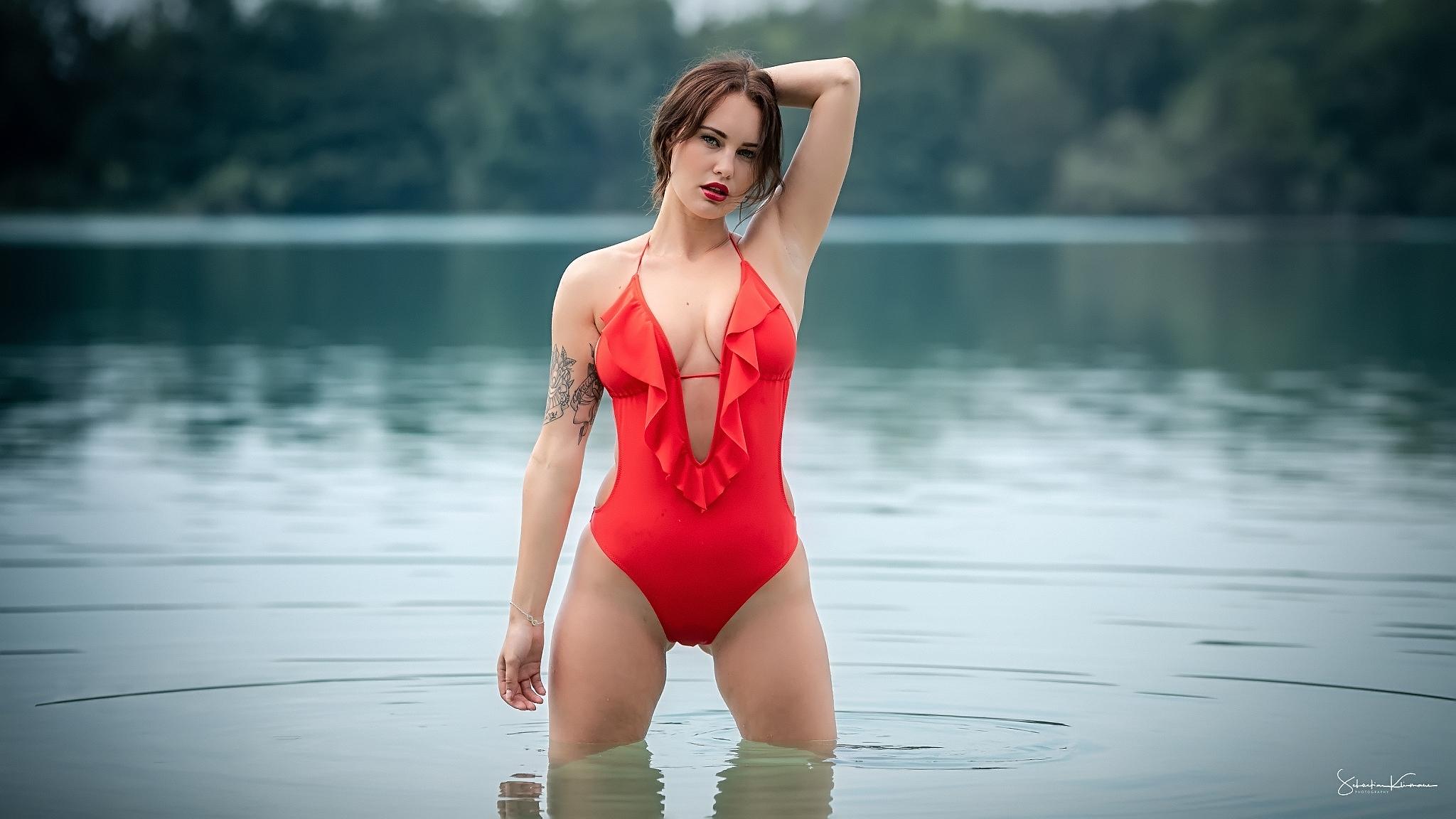 Costume Da Bagno Intero Rosso : Sfondi costume intero costumi da bagno tatuaggio rossetto