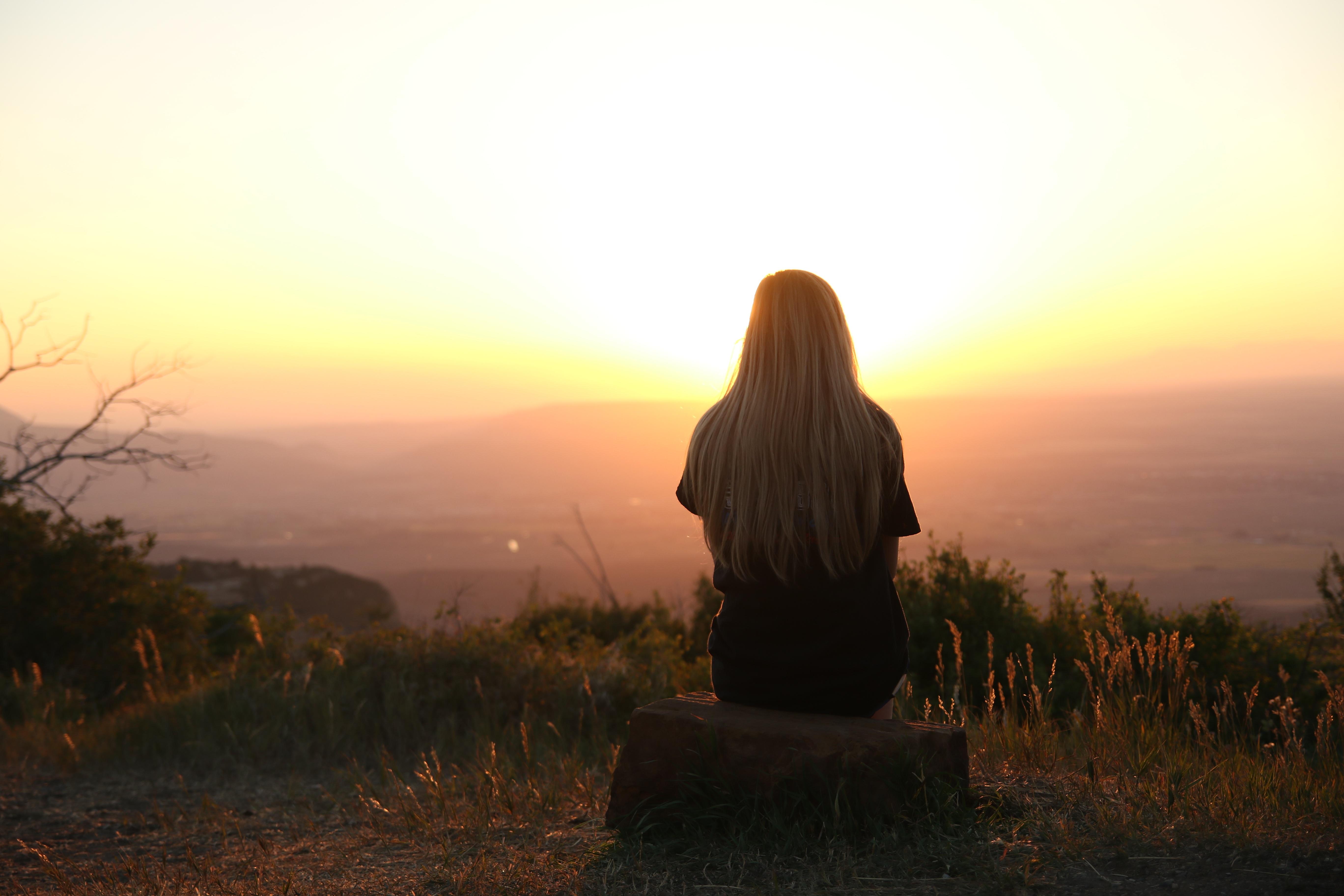 Картинка женщина в одиночестве