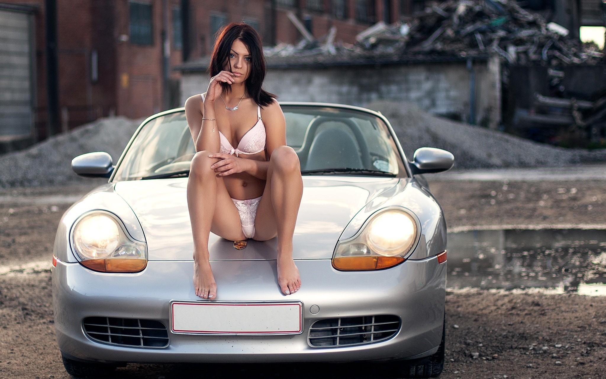 Women Pussy Wet In The Car