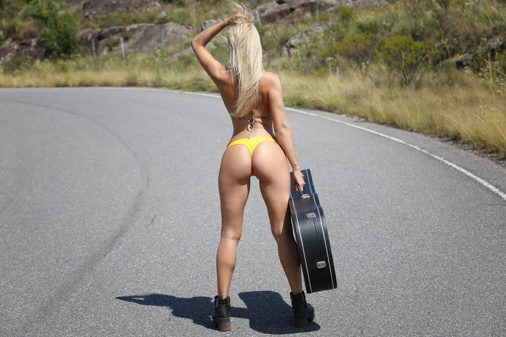 Arch blonde big ass