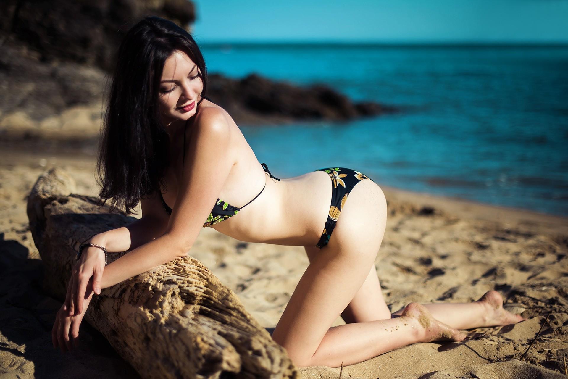 female-ass-photography-amptee-women-nude