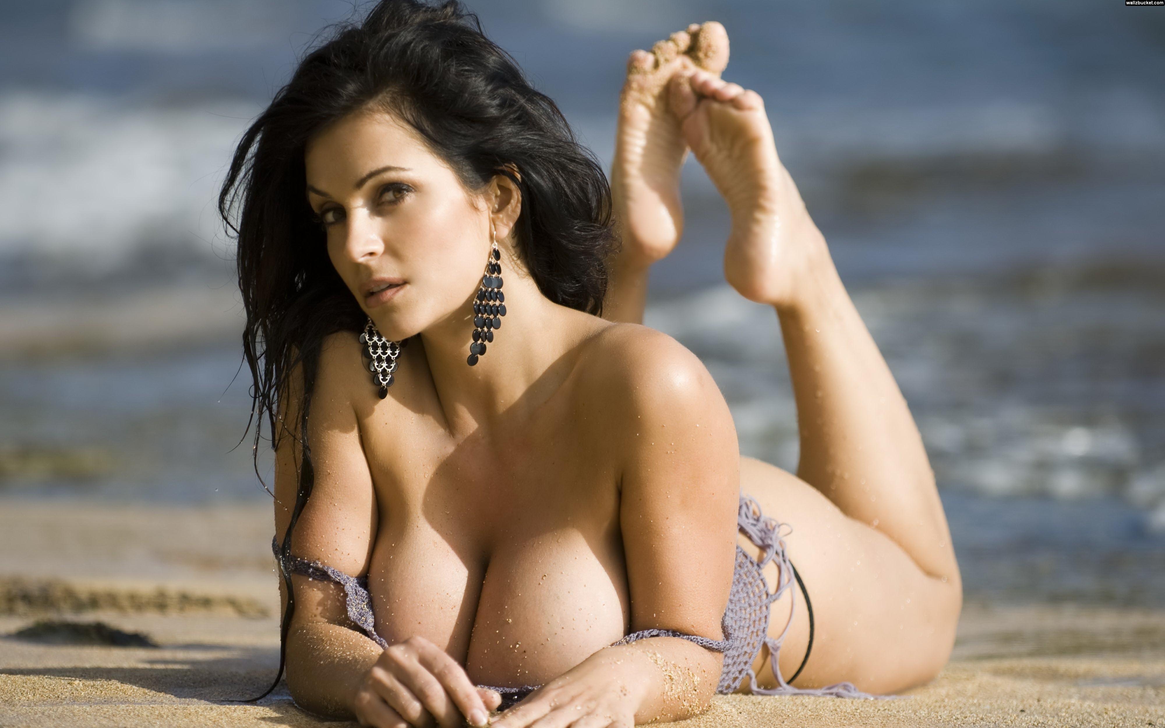 Pin On Hot Busty Girls