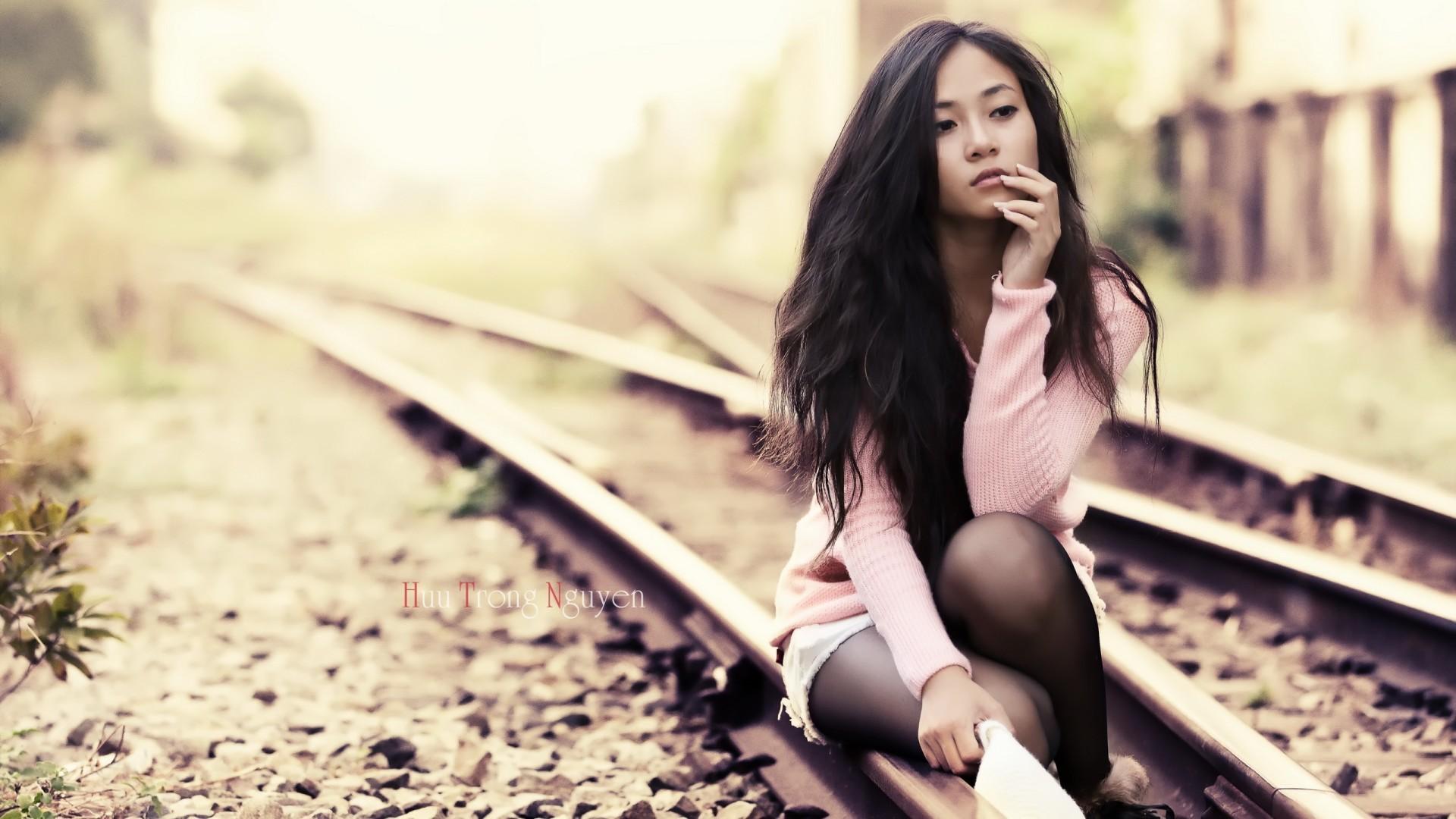 Nude aasialainen tyttö pitkät hiukset-8745
