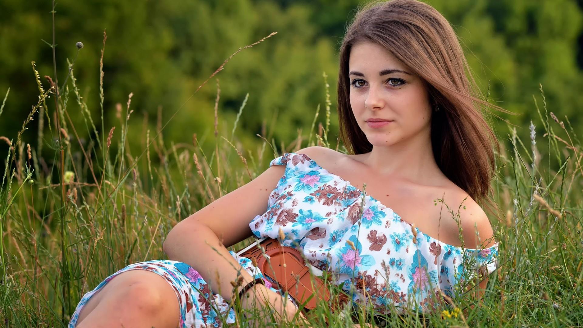 Wallpaper  Women Outdoors, Long Hair, Nature, Bare Shoulders, Grass, Dress, Smiling -7564