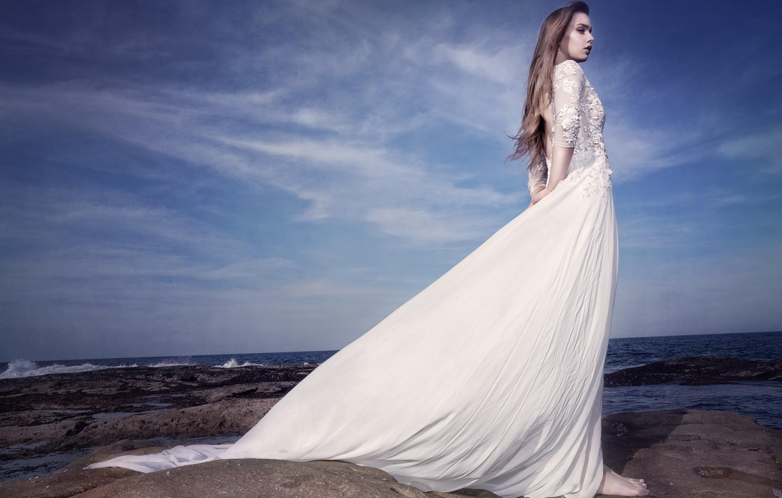 Картинки женщин в белом платье