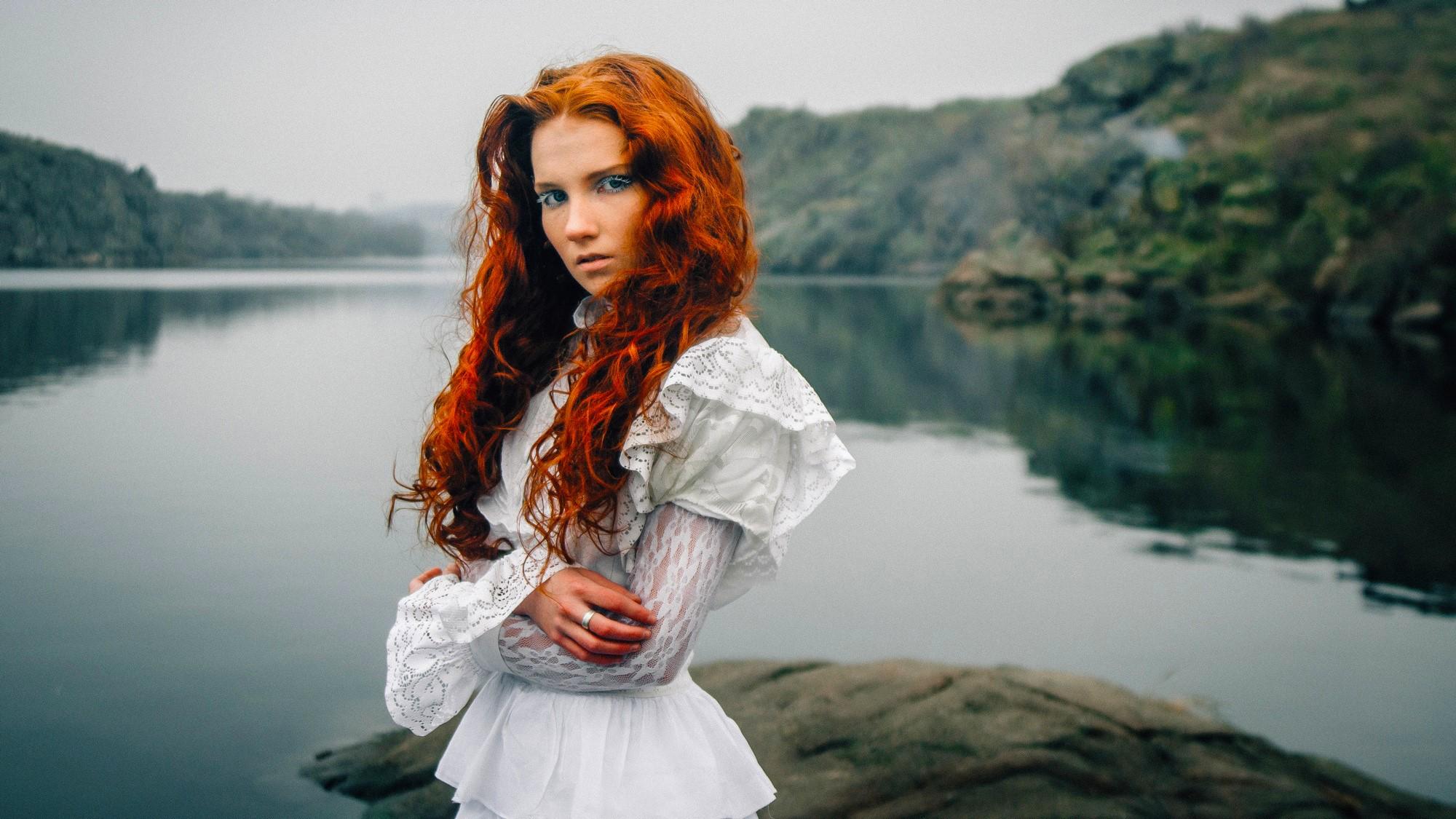 чтобы выяснить рыжая девушка наряды волосами часто женщины