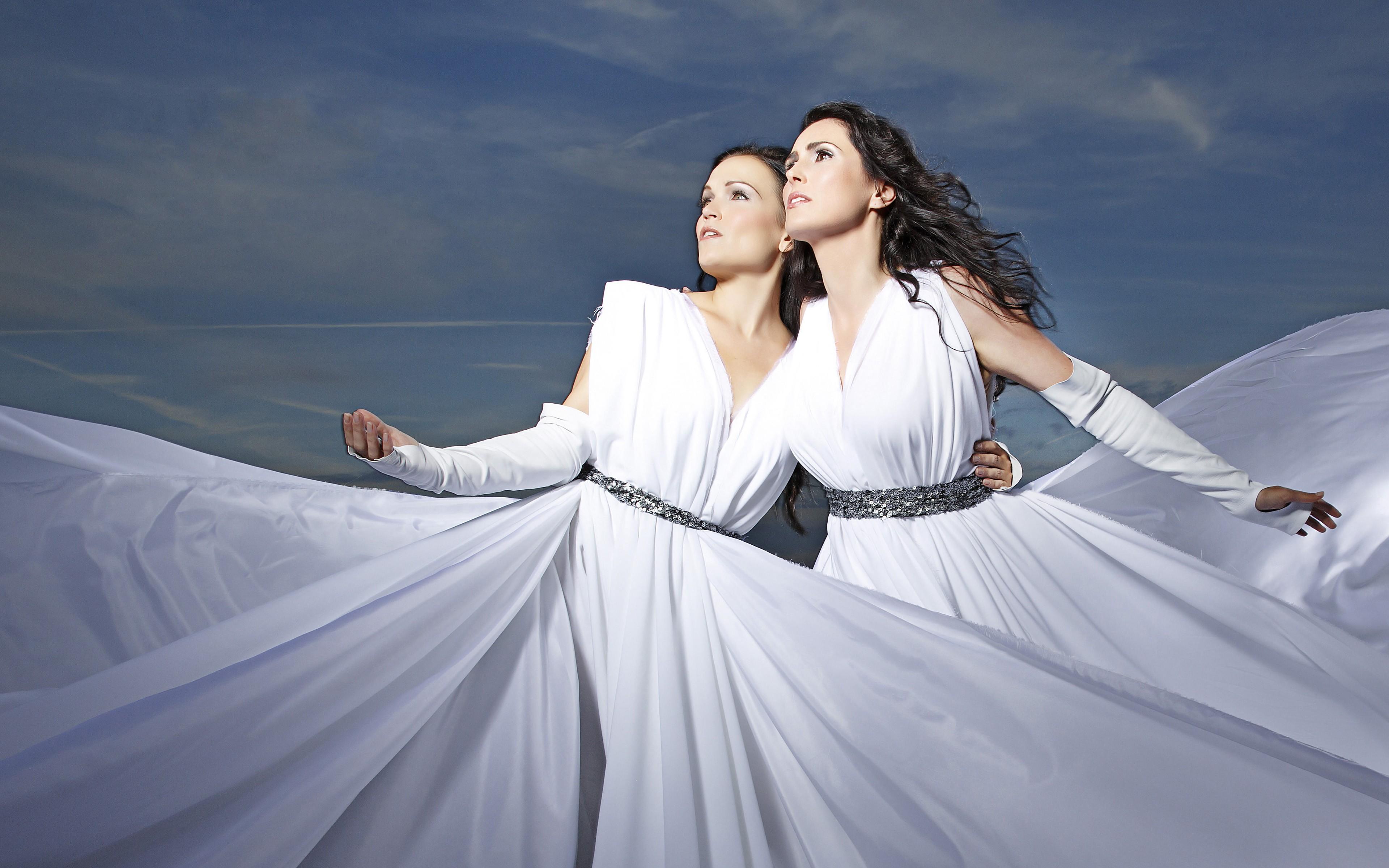 d8de40e9ff72 Kvinder fotografering sanger kjole bryllupskjole romantik symfonisk metal  Sharon den Adel Tarja Turunen kvinde brud fotografi