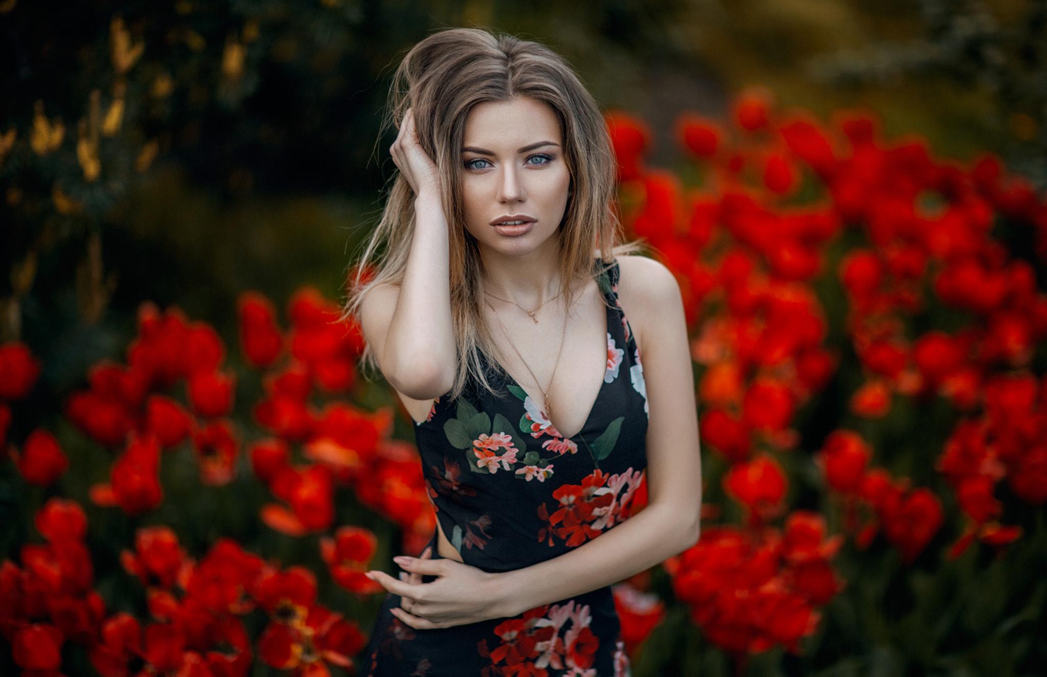 Молодая Девушка Обои