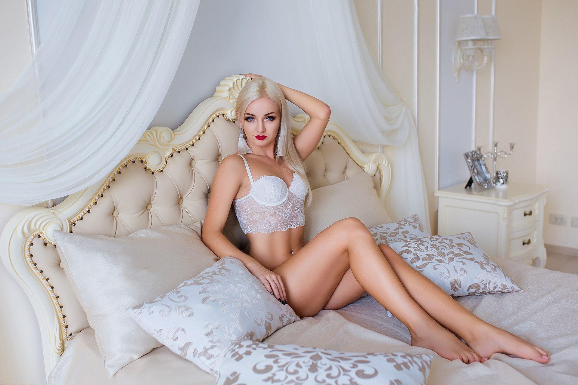 Marry Queen Beautiful Natural Body