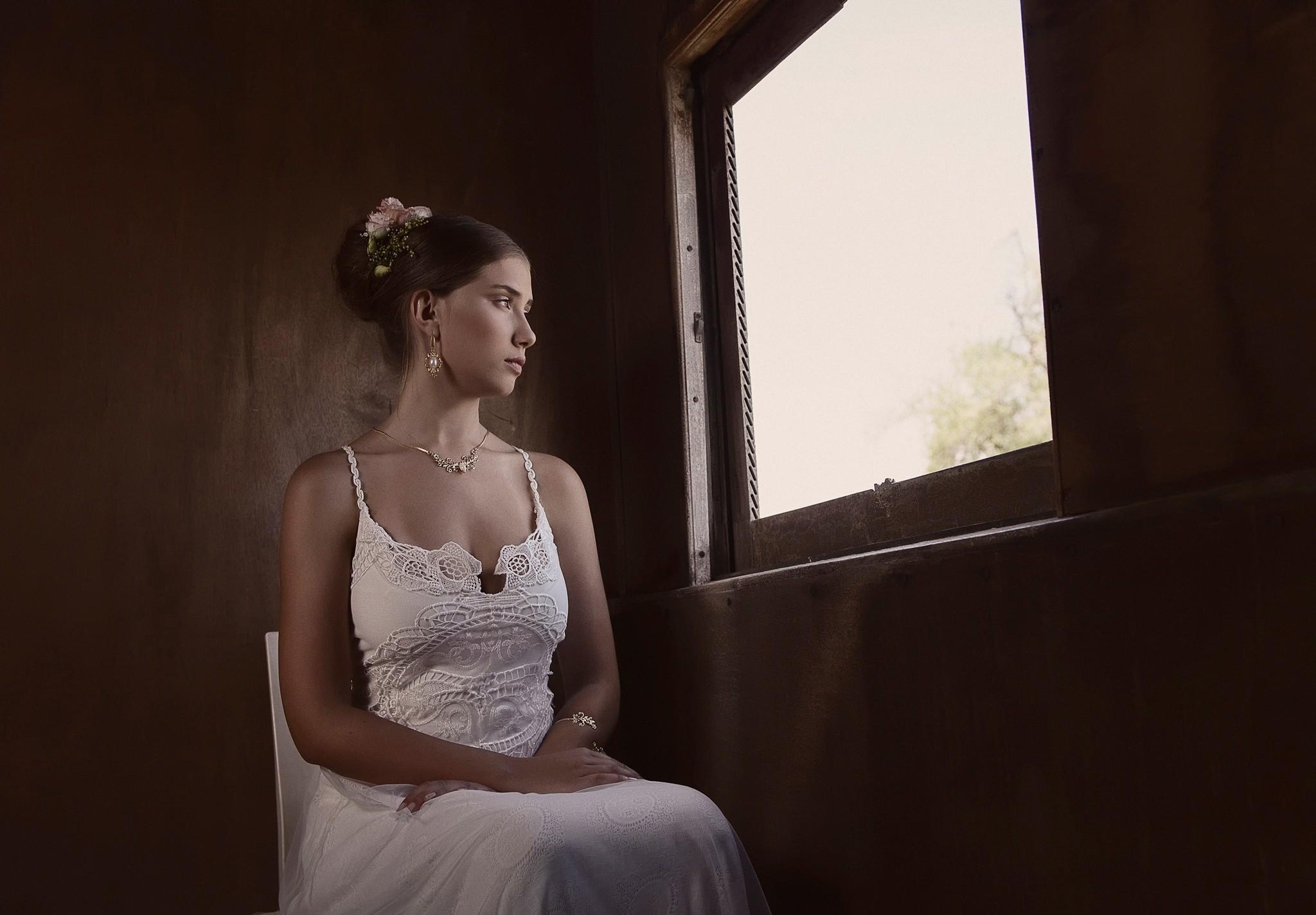 Hintergrundbilder : Frau, Porträt, Brünette, weißes Kleid ...