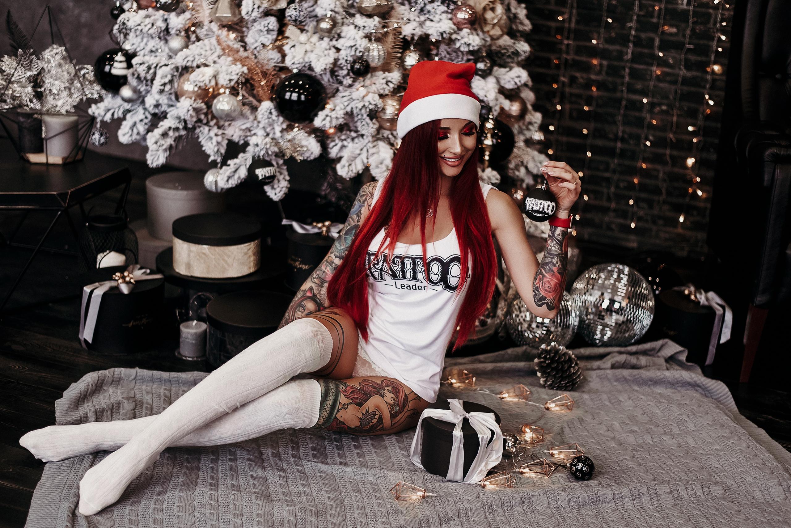 against-redhead-christmas