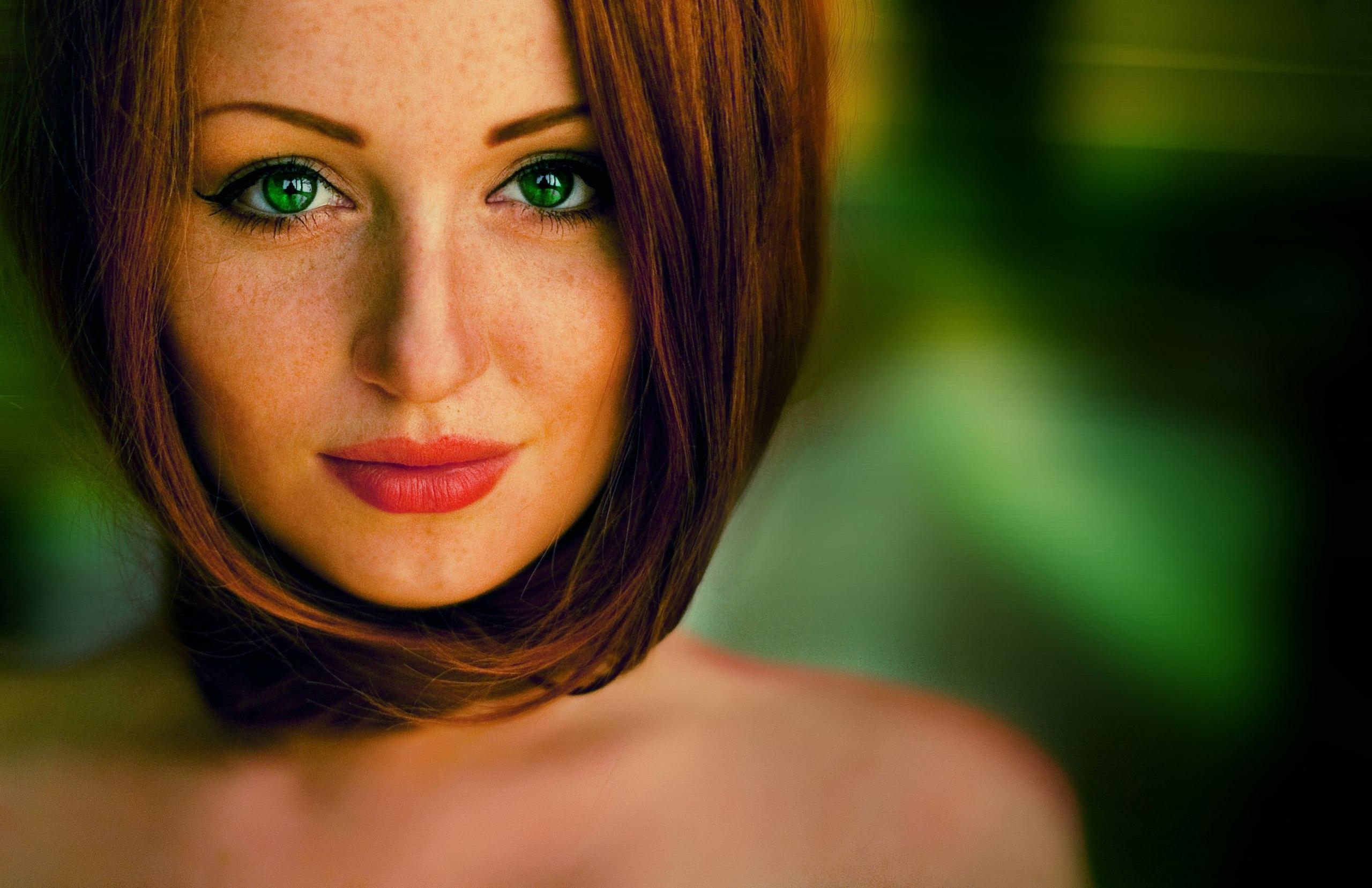 Фото красивых девушек рыжих с зелеными глазами фото