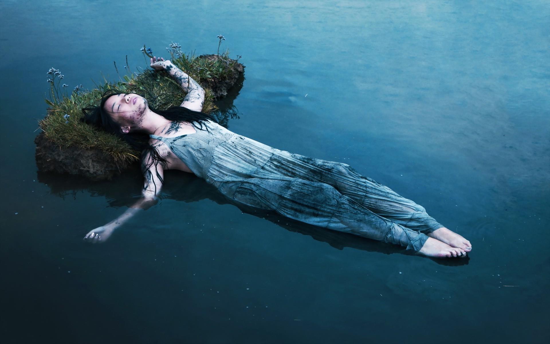 Прибыла на во морская улицу вода сне