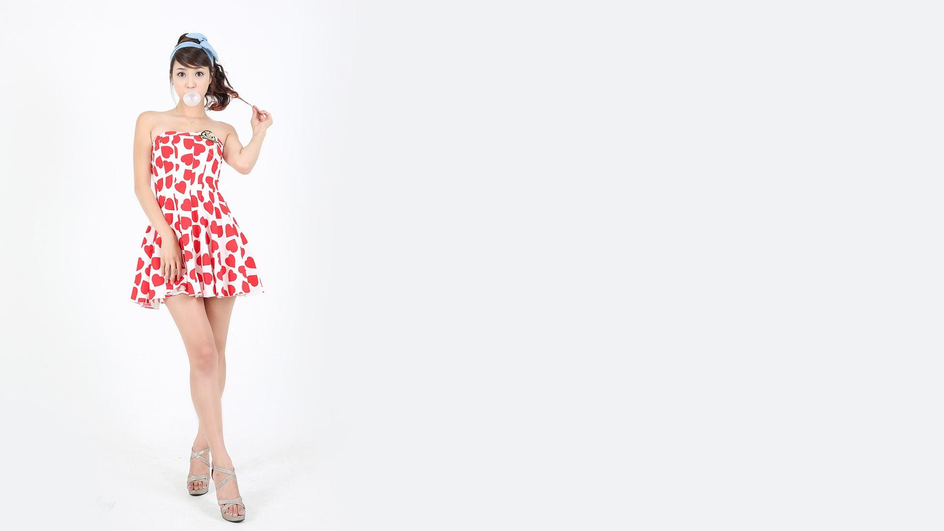 Hintergrundbilder : Frau, Einfacher hintergrund, Brünette, Minikleid ...