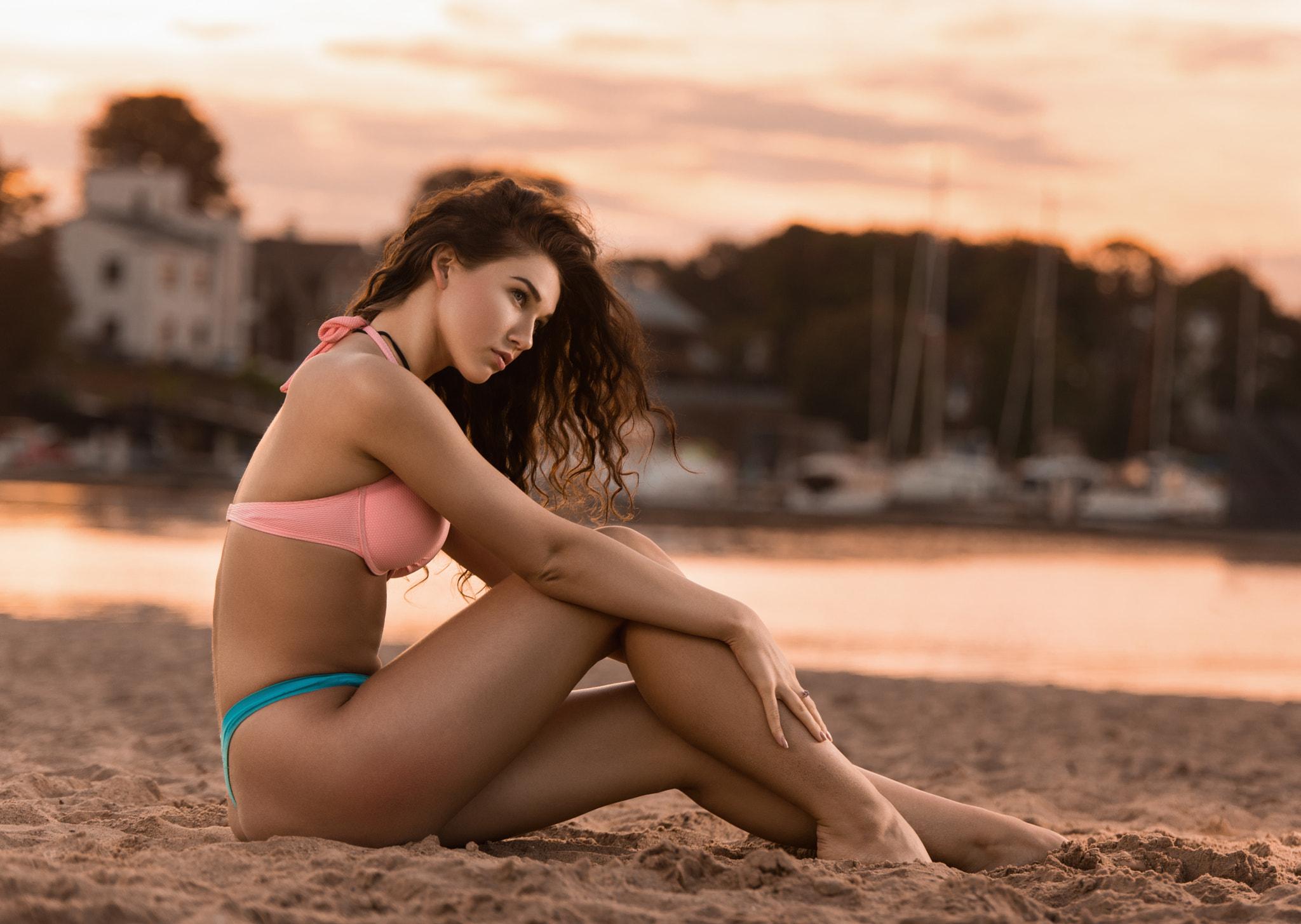bikini-girls-at-lambeau-field-fuck-the-girl-game
