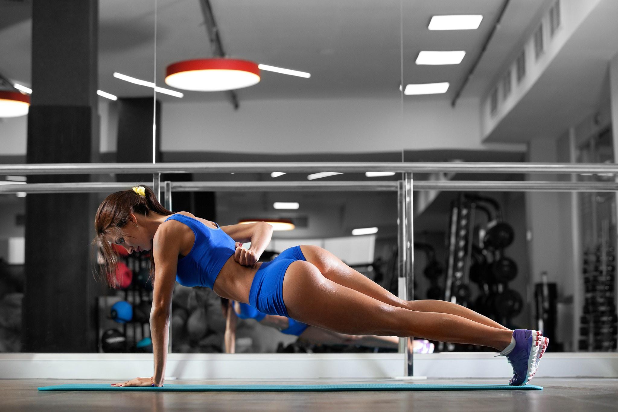 Asscreampie fitness model