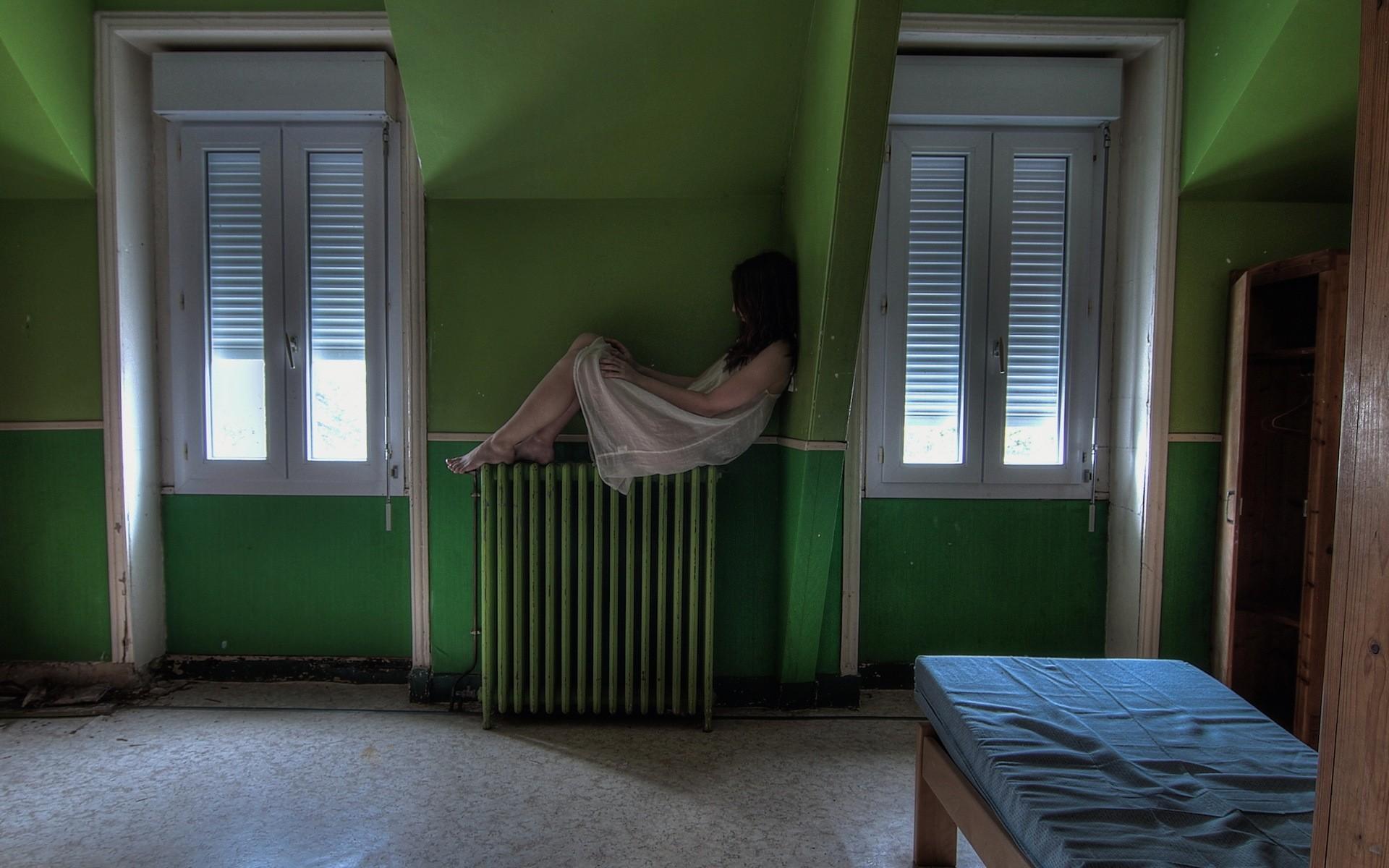 fond d 39 cran femmes architecture b timent chambre mur bois maison vert porte design d. Black Bedroom Furniture Sets. Home Design Ideas