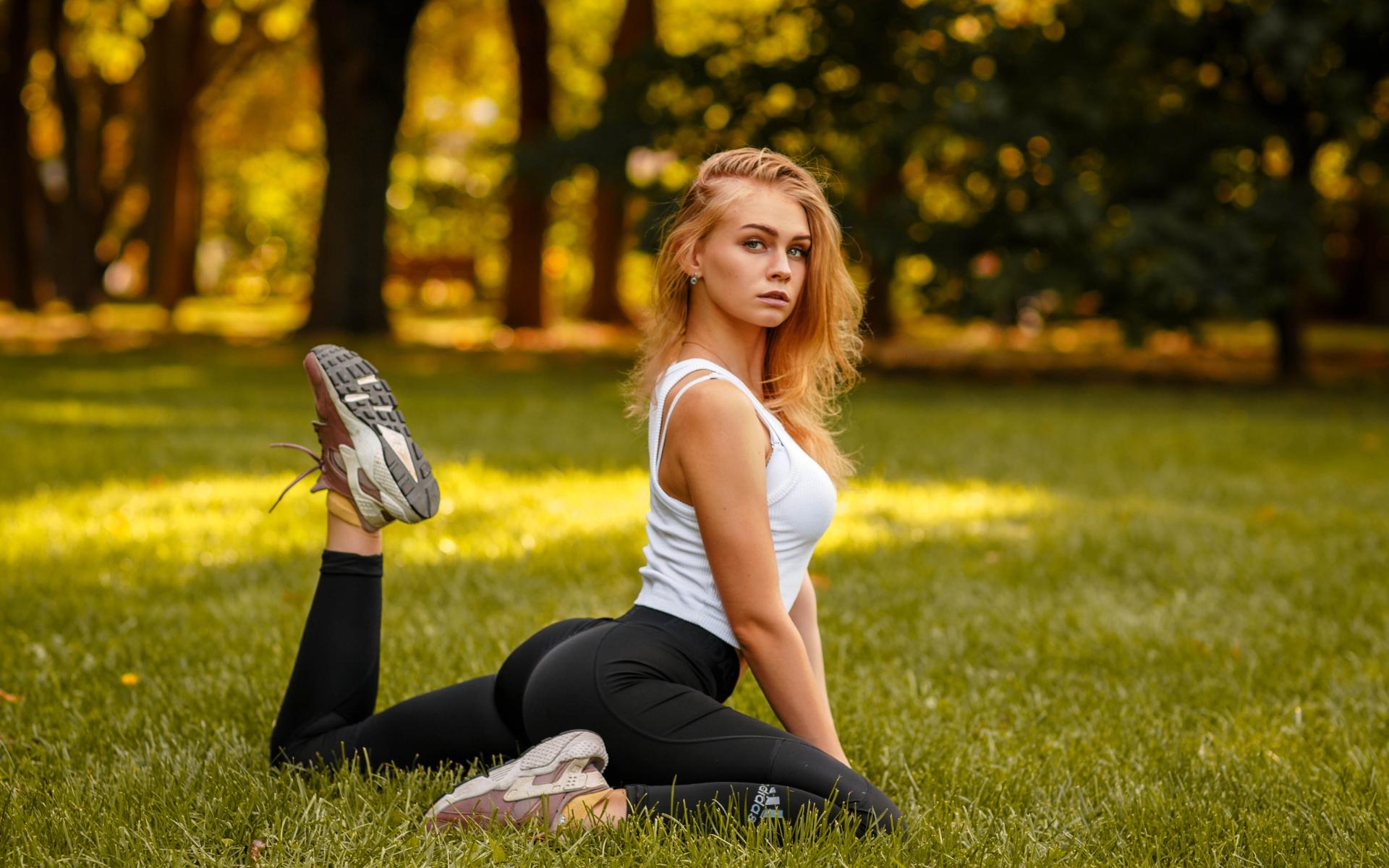 Wallpaper Women Yoga Pants Leggings Ass Cheeks Nature Blonde Looking At Viewer Depth Of Field Adidas 1920x1200 Da2nx 1723221 Hd Wallpapers Wallhere